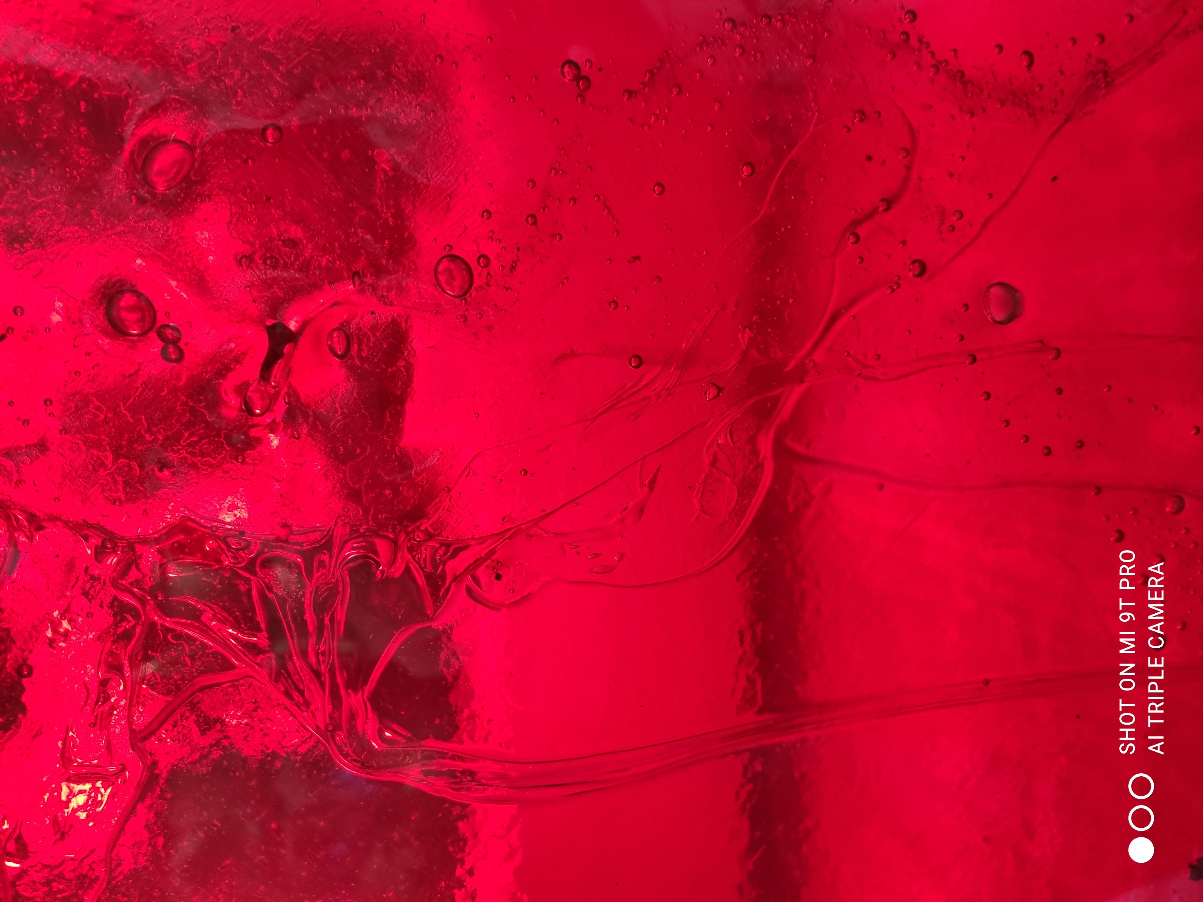 verre coloré rouge